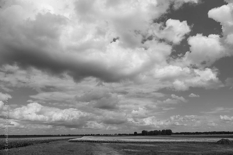 Wolkenpartij bij Exloo, 14:00 uur